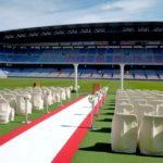 サッカースタジアムの結婚式ができる場所は?費用や料金、評判も気になる!
